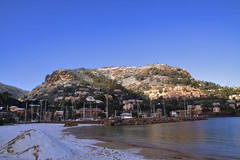 Snowy Rock (Arthur40A) Tags: snow beach cannes ctedazur neige mandelieu plage hdr mougins frenchriviera thoule