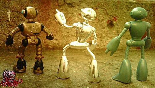 """Teenage Mutant Ninja Turtles """"Fugitoid"""" :: 'Sal' Units - 1990 model, 2009 model , 2004 model ..comparison ii"""