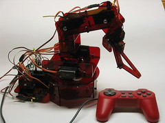 Picture of the complete robot arm with controller