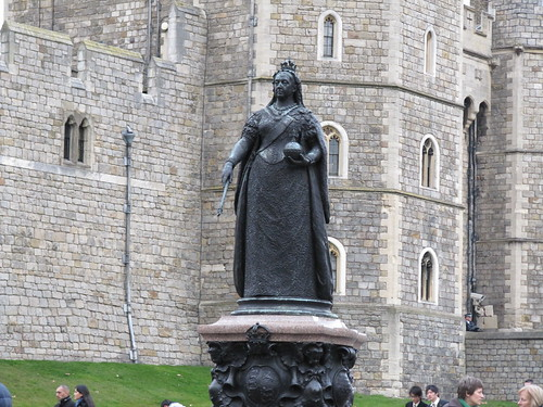 statue at windsor