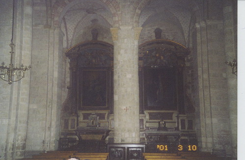 2001-03-10 Toulouse France (dedans la Basilique Saint-Sernin 2)