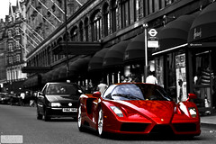 enzo (Murphy Photography) Tags: red color rot london car speed power ferrari harrods enzo rar selective colorkey