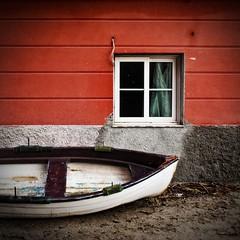 Winter (micheylal2) Tags: red sea window boat barca mare liguria legacy baiadelsilenzio sestrilevante seastorm mareggiata silencebay platinumphoto anawesomeshot d700