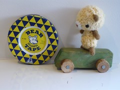 Posswonk rides again (teddybearswednesday) Tags: old vintage bears amigurumi wonky woodencar beartin