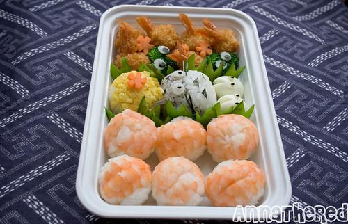 Totoro temari sushi bento left angle