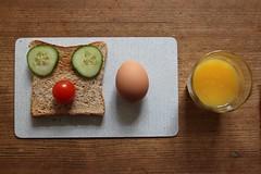 unintended owl (virginhoney) Tags: morning food home kitchen breakfast tomato toast cucumber egg orangejuice choppingboard frhstck freshlysqueezed frhstcksbrettchen