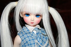 IMG_0660 (onion.bunny) Tags: girl kid luts delf aru
