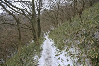 初春の筑波山に積もる雪