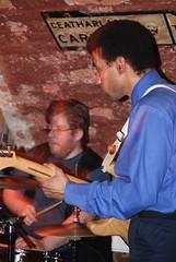 Blues, baby! (5) (nvernizzi) Tags: playing bar drums pub stockholm bass guitar guitarra blues stan baixo estocolmo batera tocando gamla wirstrms