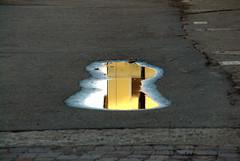 Bologna - Riflesso... (Alfredo Liverani) Tags: italien italy reflections italia emilia bologna italie emiliaromagna riflesso spiegelungen pozzanghera bononia