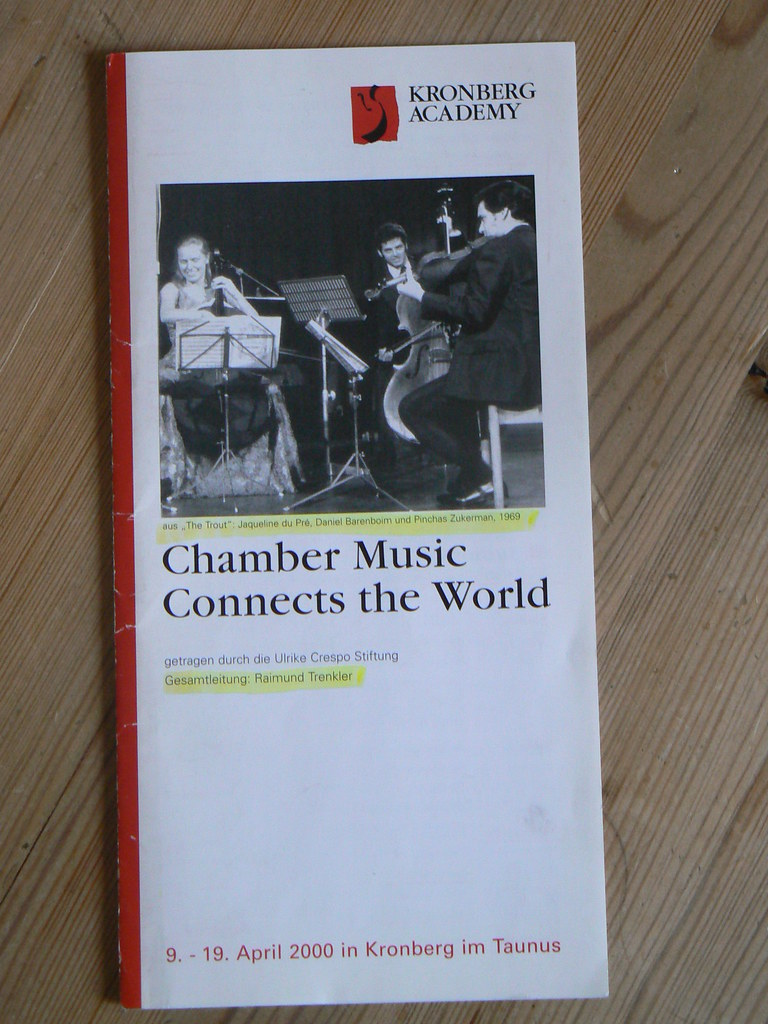 Die erste Chamber Music Connects The World  Reihe - April 2000