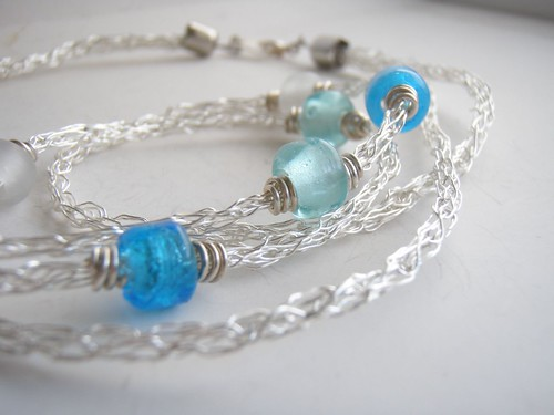 simplicity wire knit necklace