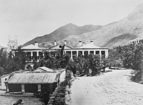 The former Government offices in Lower Albert Road on Hong Kong Island 1869 = 一八六七年位於下亞厘畢道的前政府大樓