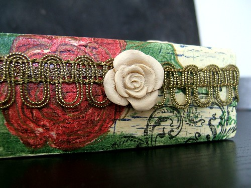 altered cigarbox romantic sidelook