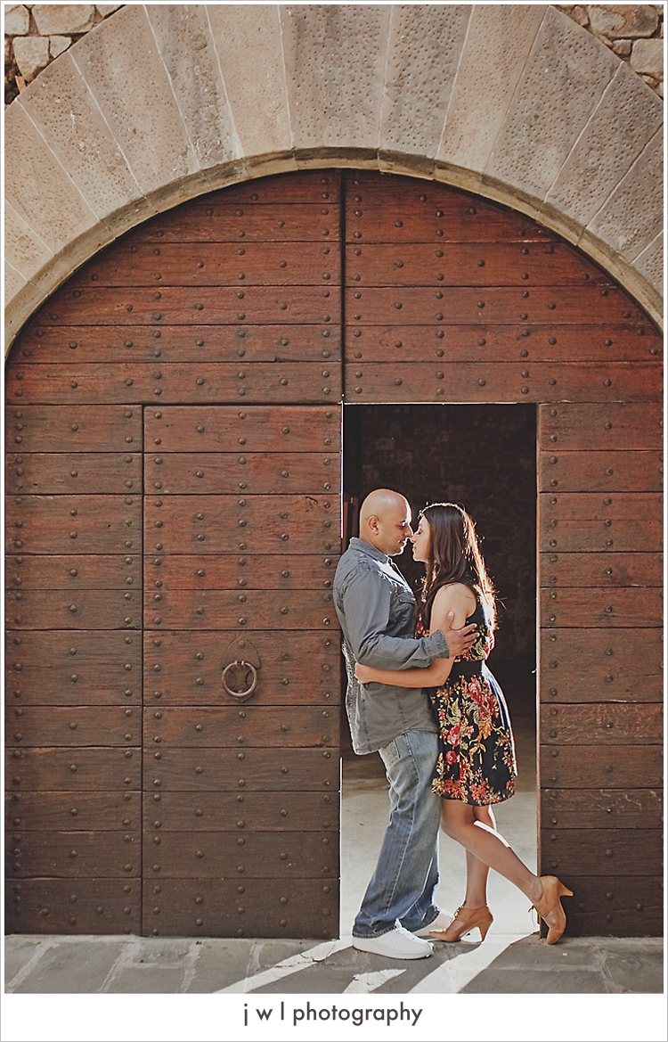 castello di amorosa, engagement session, j w l photography, deepa + roneel_07