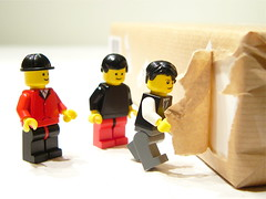 iPad unpacking (ntr23) Tags: brick apple macintosh toy mac geek lego awesome figure tablet unpacking unboxing ipad