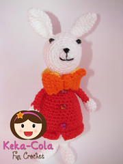 White Rabbit (Keka-Cola) Tags: toys cheshire alice crochet amigurumi wonderland coelho whiterabbit chesire keka kekacola gatorisonho paisdamaravilhas