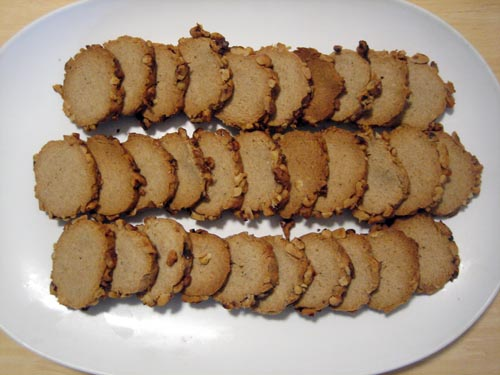 blue cheese & walnut wheat crackers