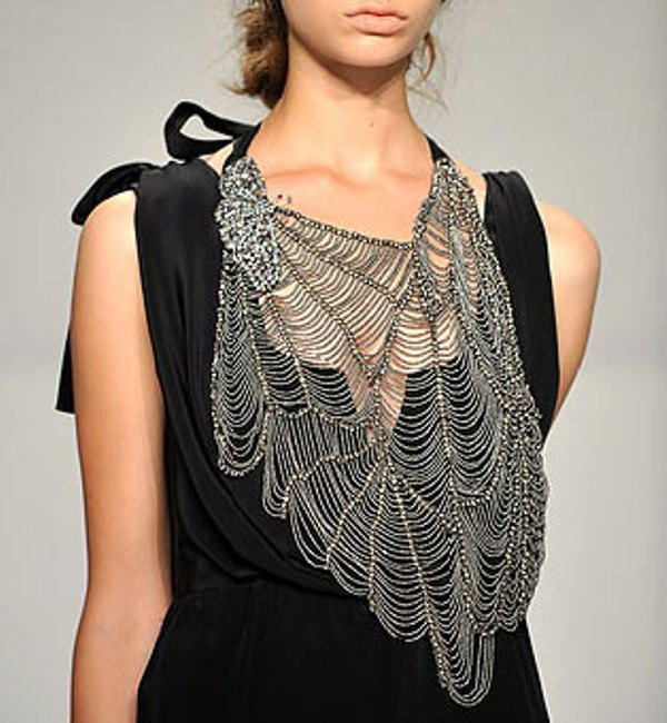 Vera Wang SS10 Web Butterfly Necklace 01