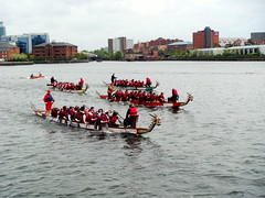 DSC08404 (obxidian) Tags: manchester samba cheerleaders salfordquays watersports dragonboatrace