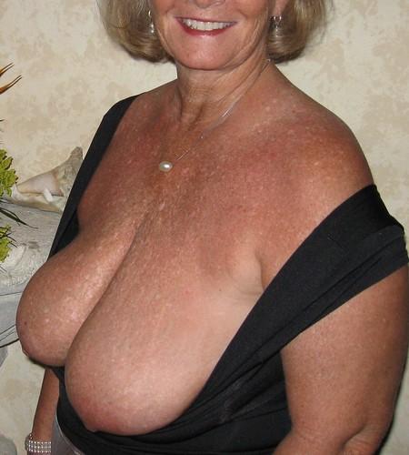 big kissing naked boobs melons pics: bigboobs