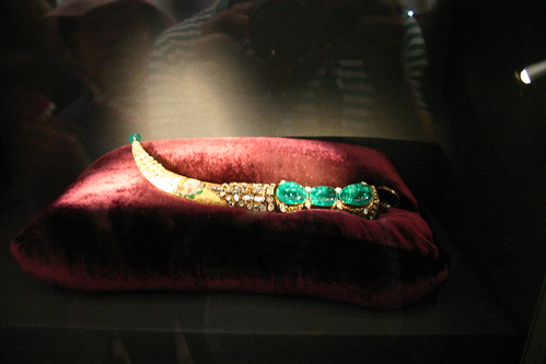 the history of the famous topkapi dagger of the ottoman empire The topkapi emerald dagger is the renowned jewel-studded dagger of mid-18th   the topkapi emerald dagger from the topkapi museum in istanbul, turkey   in the history of iran, nadir shah was one of the most successful rulers who.
