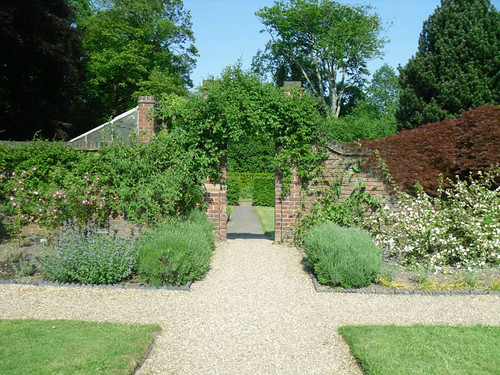Winterbourne: English Gardens