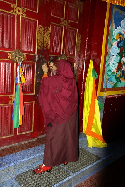 rewalsar lake monastery