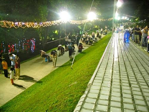 新加坡光明山普觉寺 ~ 三步一拜