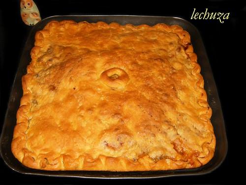 Empanada mariscos-entera hecha