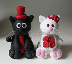 Mr. and Mrs. Cat (fliepsiebieps1) Tags: cats love cat groom bride katten handmade kitties custom poezen weddingcaketopper taarttopper