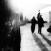 (...storrao...) Tags: blackandwhite bw blur tree portugal gardens walking square pessoas nikon couple shadows noiretblanc silhouettes nb bn porto cropped sombras jardins serralves pretobranco desfocado d90 àrvore 40h serralvesemfesta storrao sofiatorrão nikond90bw