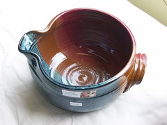 101_1305 (blackriverbeads) Tags: handle handmade bowl pottery stoneware dishwashersafe microwavesafe batterbowl foodsafe