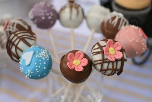 Cupcake Truffle Pops