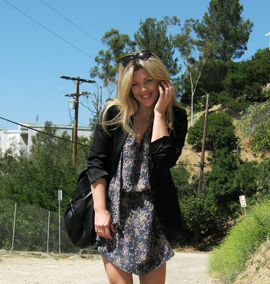 fine floral print dress+black blazer+fiorentini and Baker sandals+ferragamo bag -8