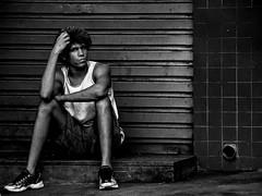 Garoto de Rua (Luciana Brito) Tags: street boy people bw gente retrato sony garoto pb rua h9