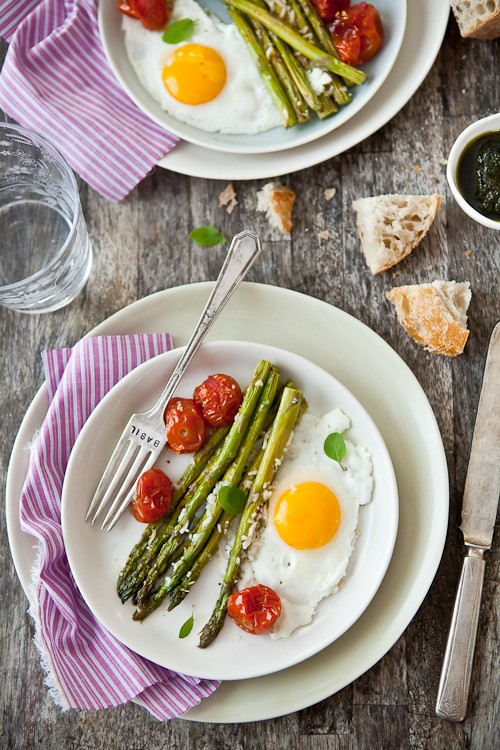 Parmesan-Roasted Asparagus, Tomatoes and Eggs