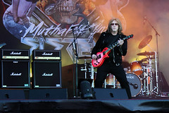 Twisted Sister guitarist