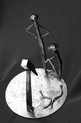 clous (pedrobigore) Tags: sculpture chien table bateau poisson métal fer masque acier danseuse récup volant bestioles récupération soudure soudeur féraille akouma hipocamppe