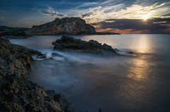 Seaside Sunset (C.Kaiser) Tags: nd longexposure langzeitbelichtung batis225 carlzeiss ibiza illesbalears spanien es