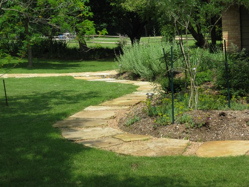 Frontyard garden landscape design