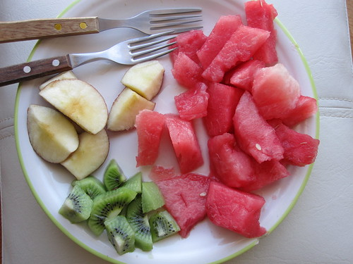 Fruit plate breakfast