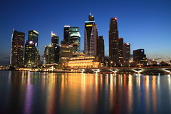 Singapore Central Business District (Adrian Gan) Tags: light reflection night river singapore esplanade fullerton centralbusinessdistrict marinabay
