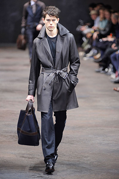 Jeremy Young3130_FW10_Paris_Hermes(uberhaupt@mh)