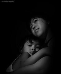 (fr' thar-mr') (maraculio) Tags: abi motherchild zed onelight artphotography furthermore maraculio yongnuoyn460ii frtharmr