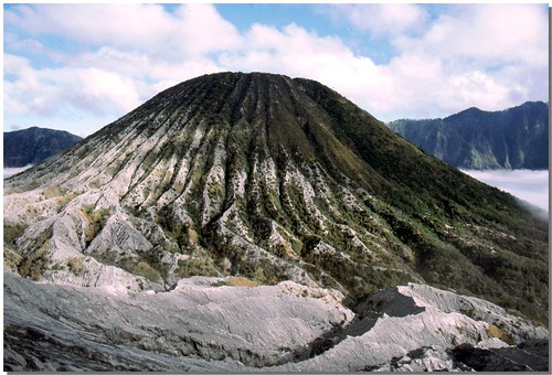 """Bromo [19] • <a style=""""font-size:0.8em;"""" href=""""http://www.flickr.com/photos/49106436@N00/4330411152/"""" target=""""_blank"""">View on Flickr</a>"""