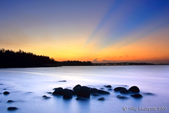 Punggol Beach Sunset (Lil Snoop) Tags: sunset beach singapore rocks seascapes punggol milky