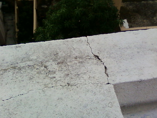 Crack in Parapet wall