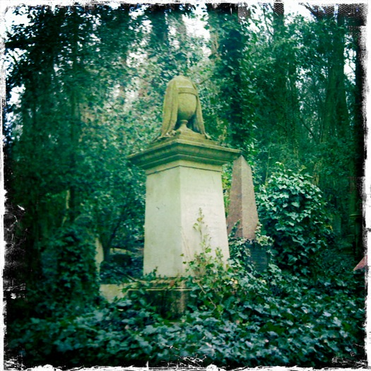 Highgate Cemetry (West)