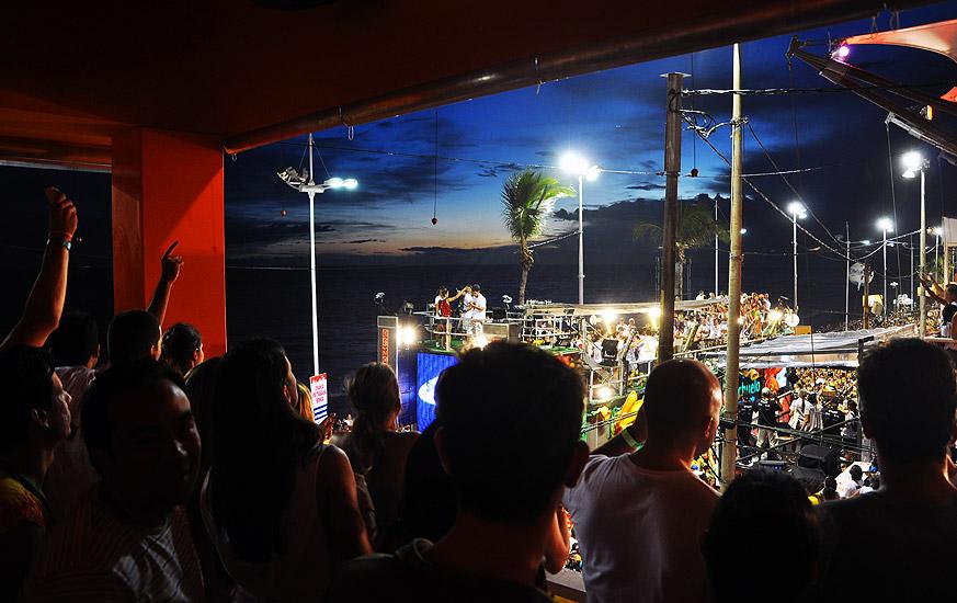 soteropoli.com fotos fotografia salvador bahia brasil verao carnaval trio eletrico axe 2010 by tunisio (5)
